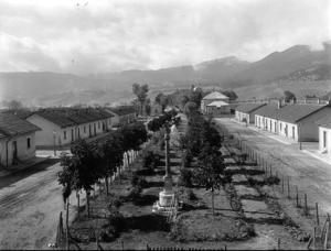 piazza Vittorio Veneto e le Casette in una vecchia foto