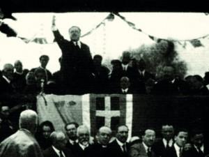 ErminioSipari nel discorso inaugurale del Parco nazionale d'Abruzzo, 9 settembre 1922 (foto PNALM)