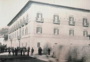Palazzo Sipari agli inizi del 1900. A Pescasseroli la famiglia, con altri rami, ha edificato altri due palazzi vicini
