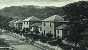 bianco e nero della sede dell'ente Parco a Pescasseroli (foto PNALM)