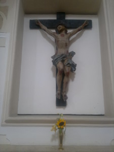 crocifisso restaurato nella chiesa del Carmelo (foto Stefano Dark)