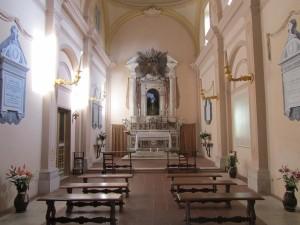 interni della cappella dei Sipari su un lato del palazzo (foto Stefano Dark)