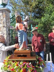 la Madonna di Monte Tranquillo nel giorno di festa verso il santuario (foto Stefano Dark)