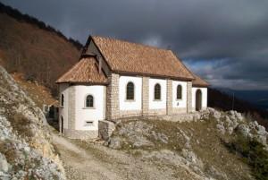 santuario di M.Tranquillo all'arrivo del sentiero (foto Domenico Roselli)
